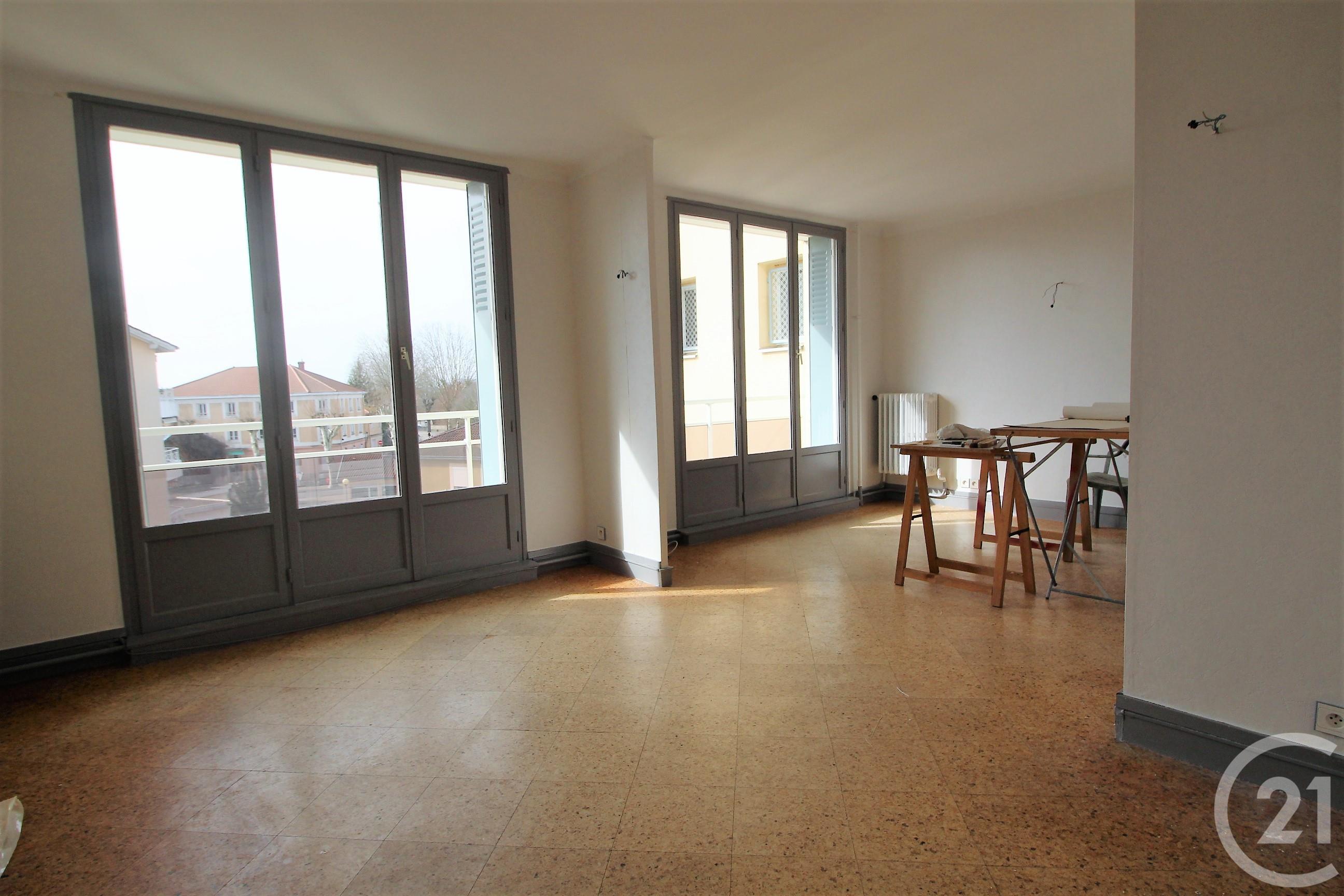 9e08766f526b57 Appartement F4 à louer - 3 pièces - 67 m2 - MONTLUEL - 01 - RHONE-ALPES